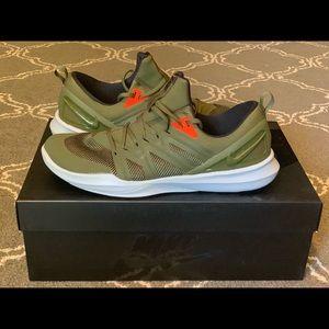 Nike Running Sneaker Green size 10.5